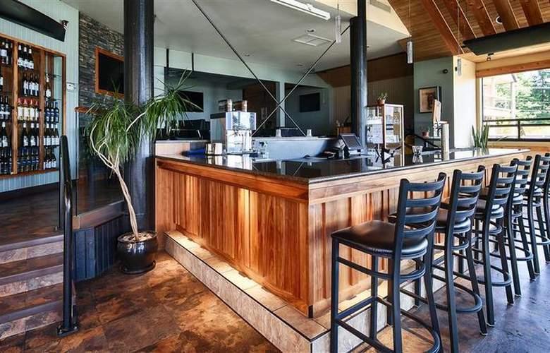 Best Western Plus Inner Harbour - Bar - 57