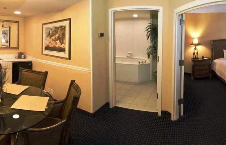 Hampton Inn & Suites Jacksonville Southside - Room - 10