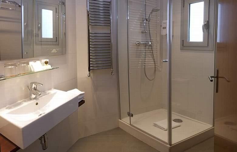 Madanis Apartments - Room - 8