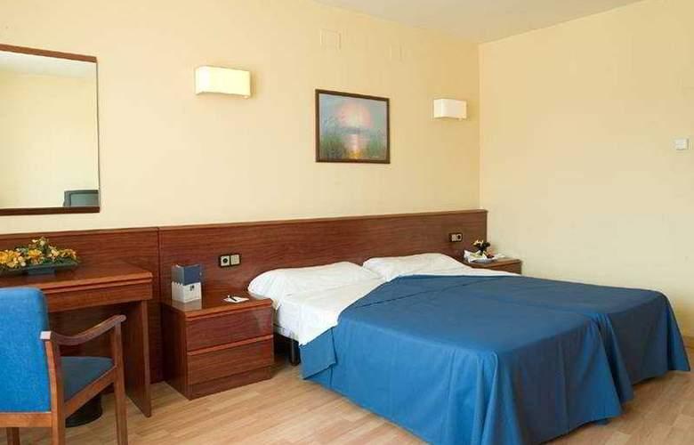 SB Corona Tortosa - Room - 3