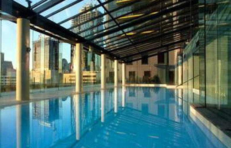Melbourne Short Stay Apartments - Pool - 4