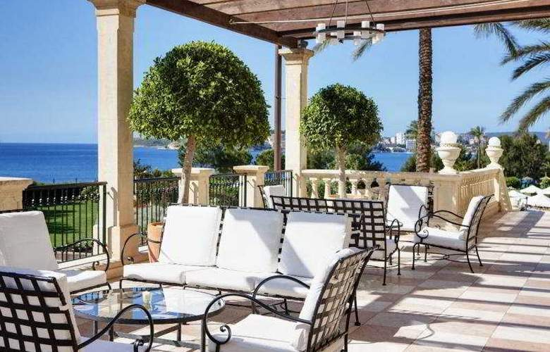 The St. Regis Mardavall Mallorca Resort - Terrace - 11
