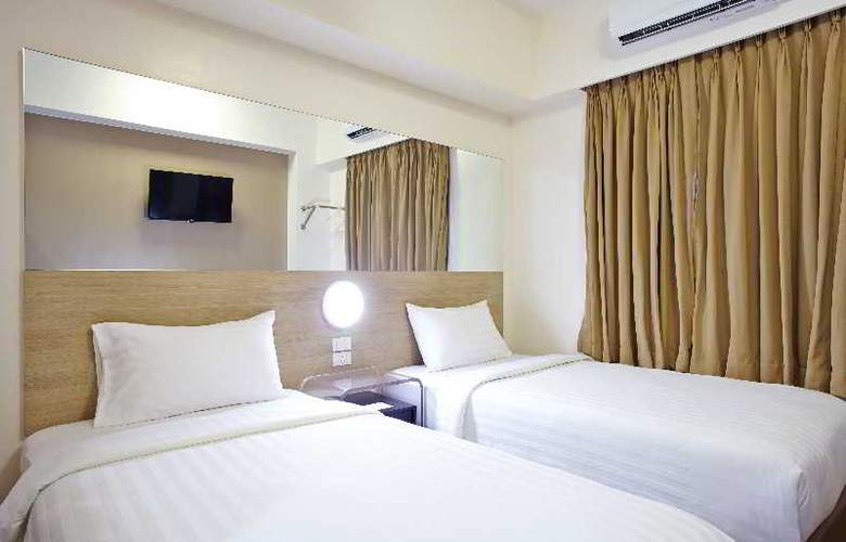 Red Planet Hotel Quezon City - Room - 11