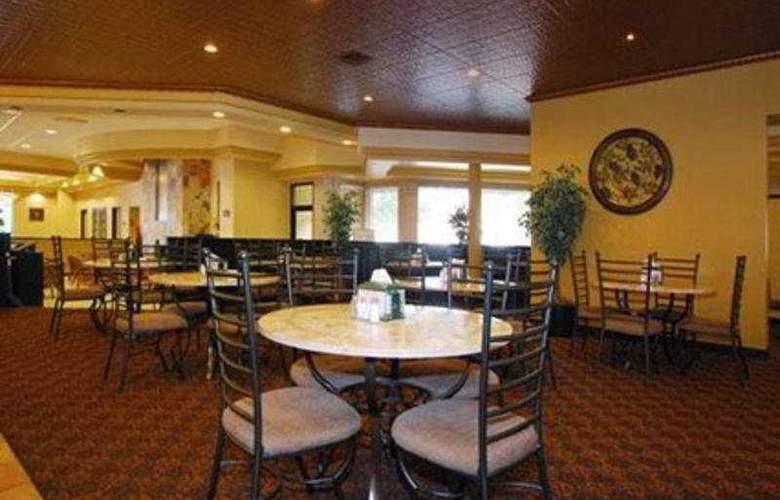 Clarion Hotel Colorado Springs Downtown - General - 4