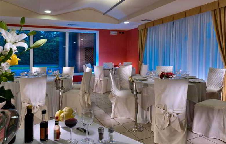 Grand Hotel Milano Malpensa - Restaurant - 11