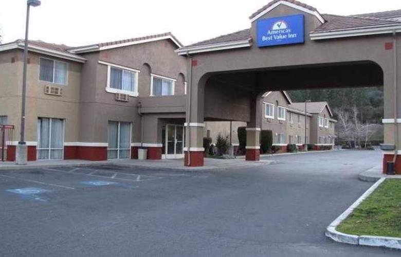 Americas Best Value Inn Oakhurst - Hotel - 6