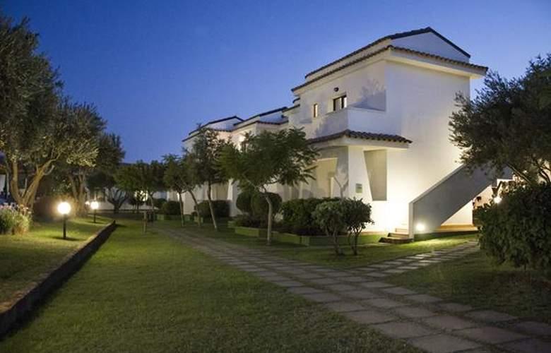 Villaggio Spiagge Rosse - Hotel - 0