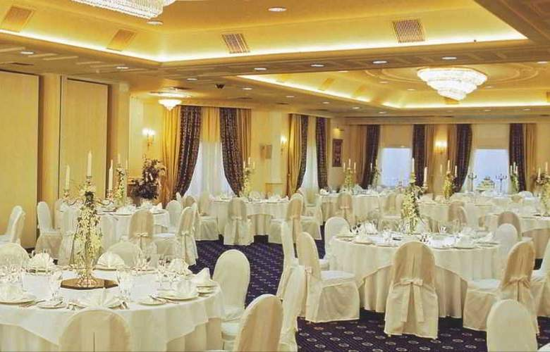 Mediterranean Palace - Restaurant - 16