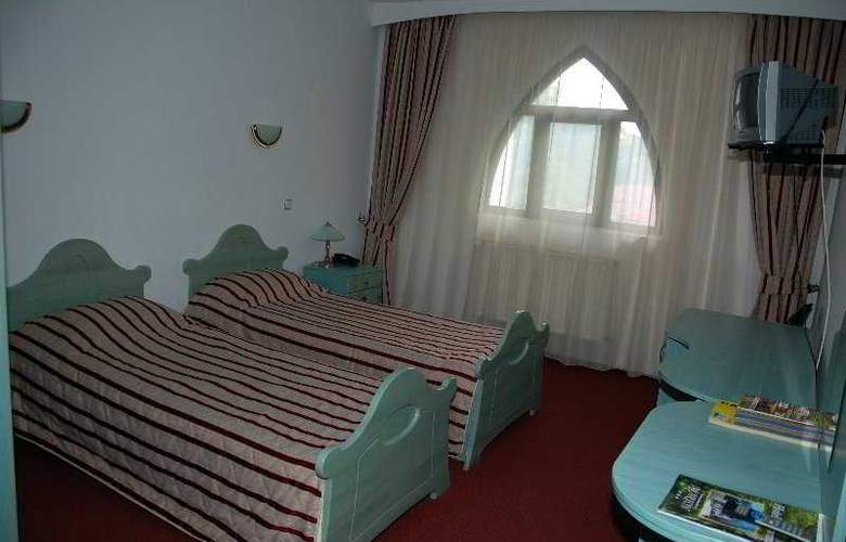 Marion - Room - 3