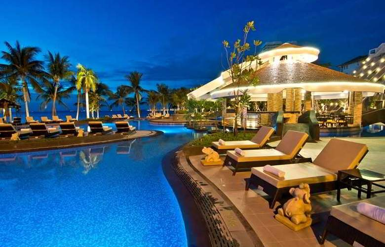 Royal Wing Suites and Spa - Pool - 22