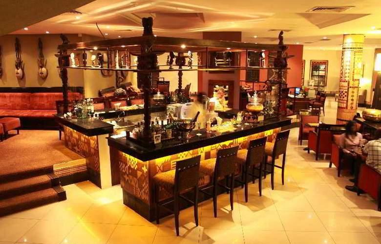 The African Regent Hotel - Bar - 9