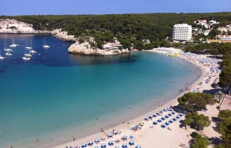Artiem Audax - Beach - 4
