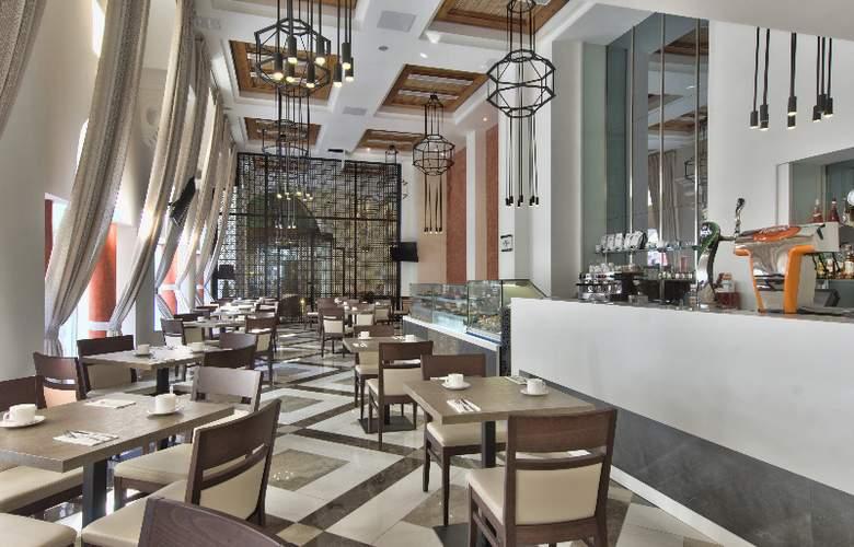 db San Antonio Hotel + Spa - Bar - 20