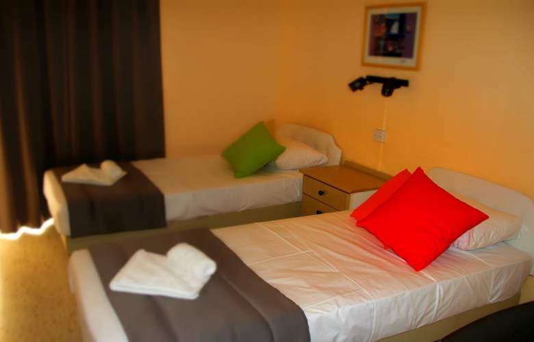 Mavina Hotel & Apartments - Room - 4