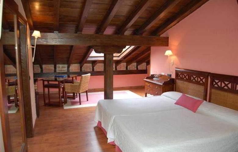 La Casona Del Revolgo - Hotel - 4