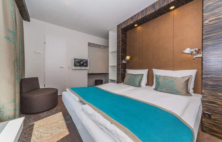 Motel One Dresden Palaisplatz - Room - 4