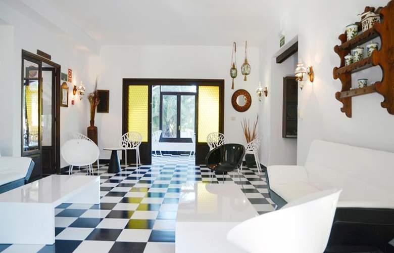 Azuline Hotel Galfi - General - 14
