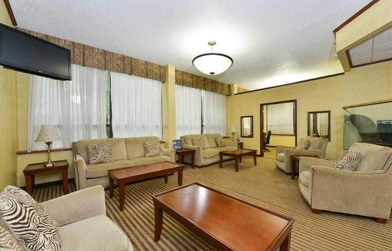 Best Western Plus Richmond Airport Hotel - Hotel - 51