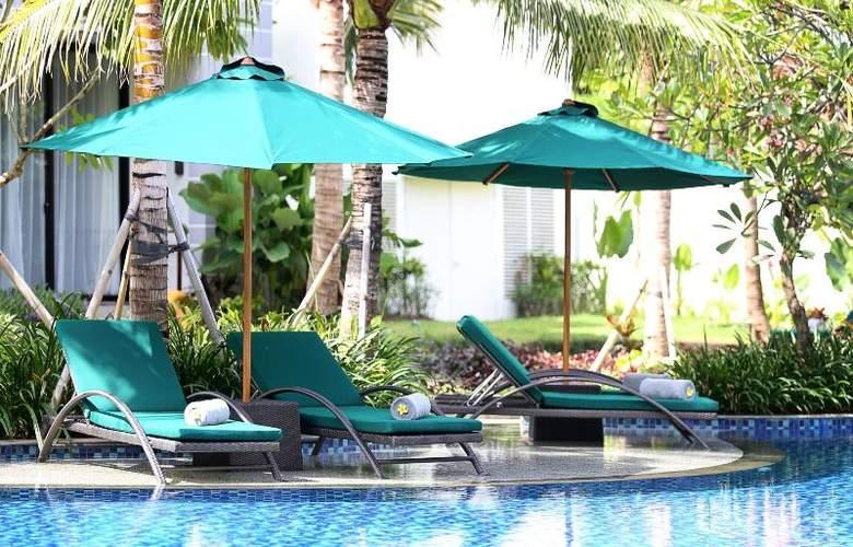 Bali Nusa Dua Hotel & Convention - Pool - 23