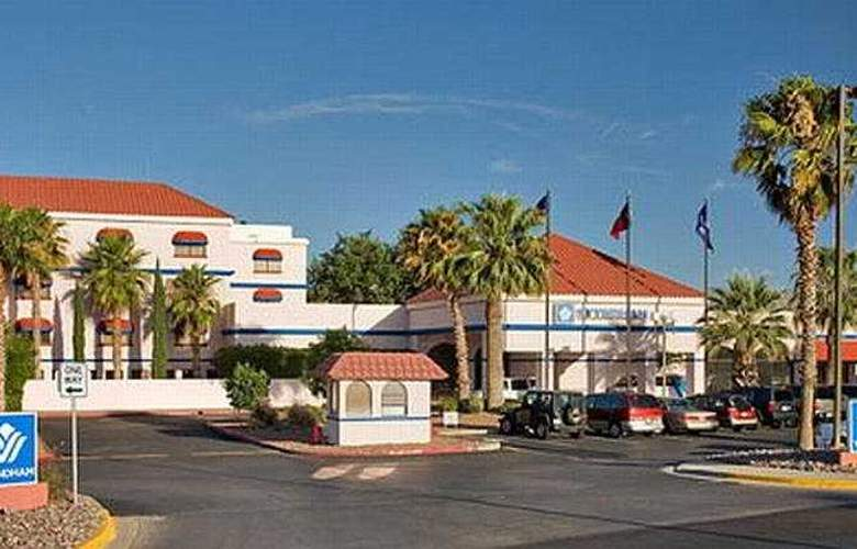 Wyndham El Paso Airport and Water Park - Hotel - 0