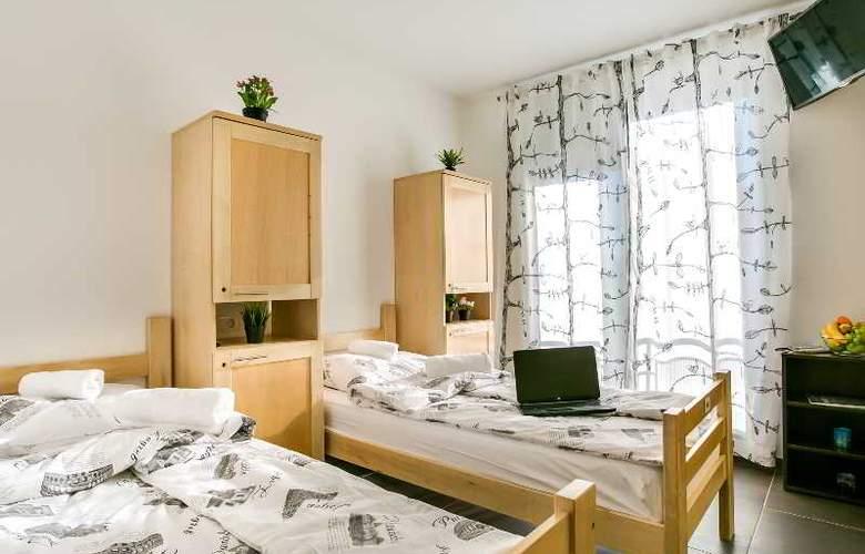Hostel Moving - Room - 29