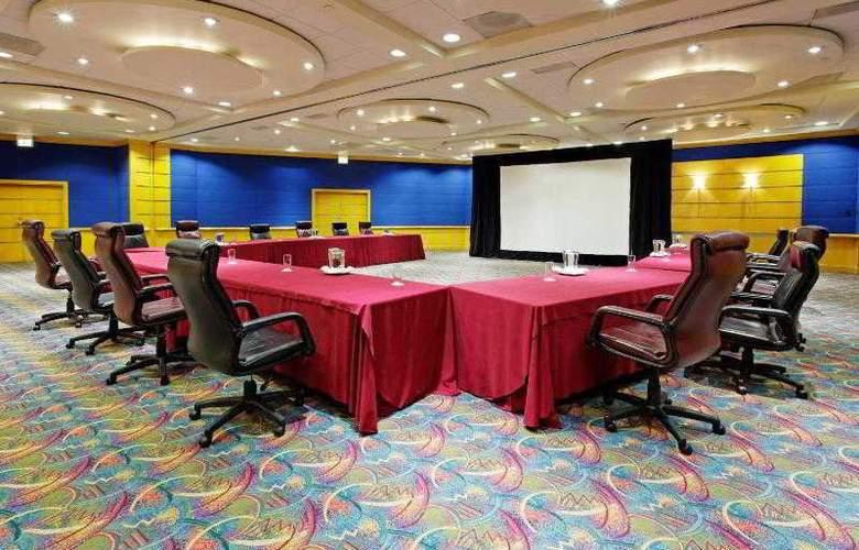 Holiday Inn Monterrey Parque Fundidora - Hotel - 6