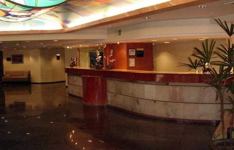 Quality Inn Lindavista - General - 3