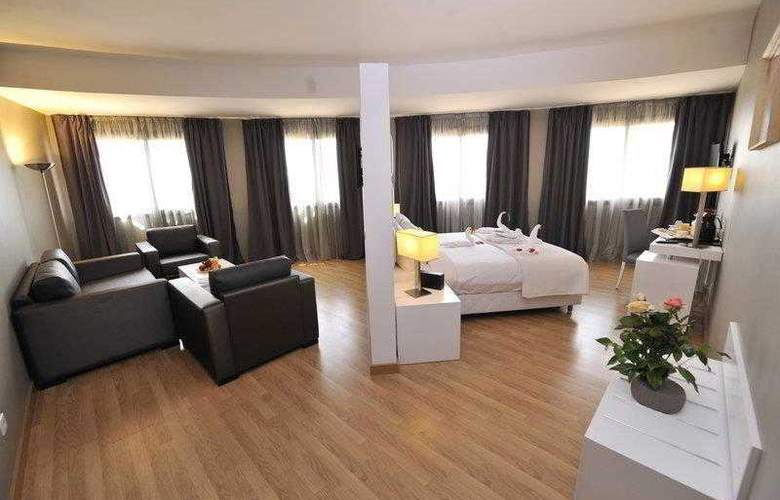 Best Western Plus Liberte Hotel - Hotel - 33