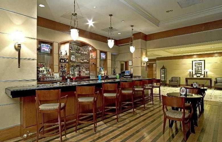 Sheraton Suites Houston near the Galleria - Bar - 2
