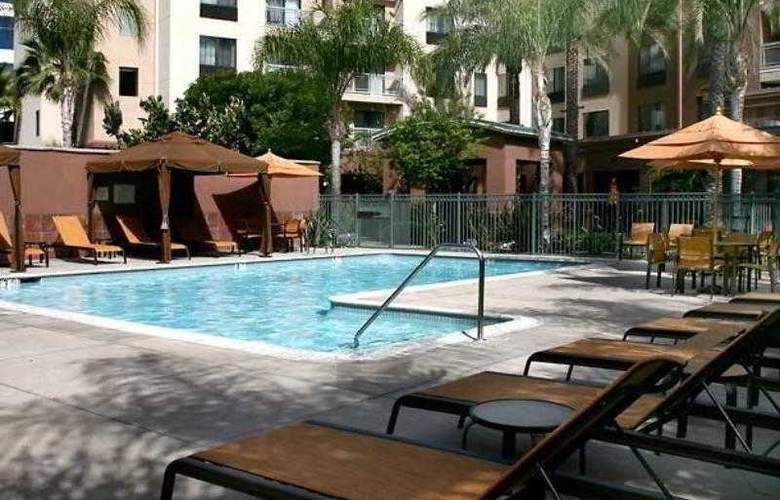 Courtyard Los Angeles Burbank Airport - Hotel - 15