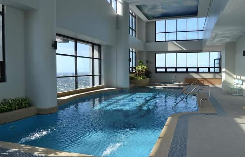 BSA Twin Towers - Pool - 7