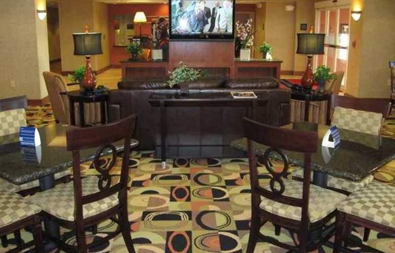 Hampton Inn & Suites Davenport - Hotel - 0