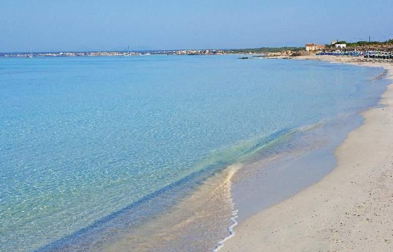 Universal Romantica - Beach - 24