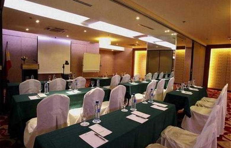 Imperial Palace Suites Quezon City - Conference - 1
