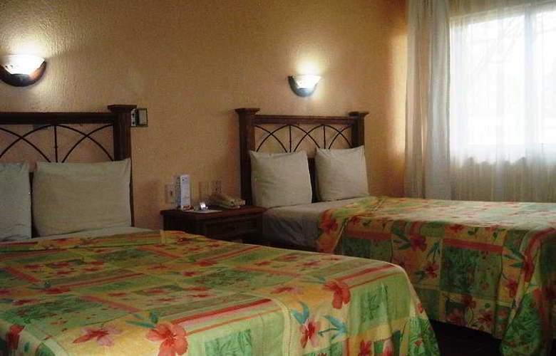 Plaza Palenque - Room - 0