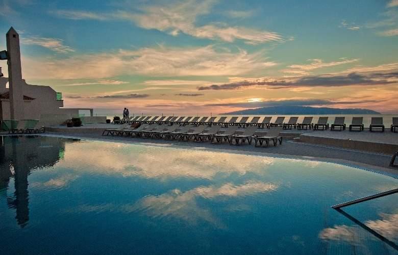 Royal Sun Resort - Pool - 23