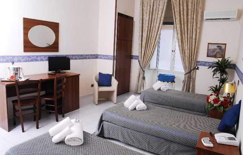 Vergilius Billia - Room - 15