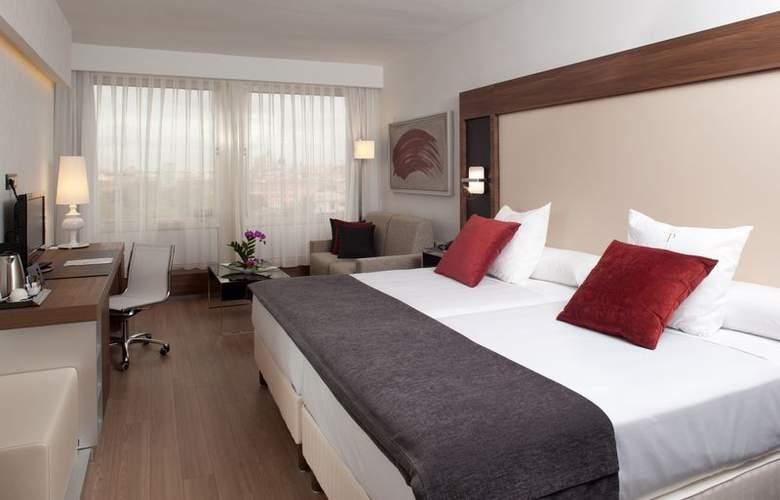 Courtyard Madrid Princesa - Room - 13