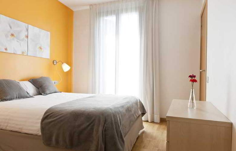 MH Apartments Sagrada Familia - Room - 6