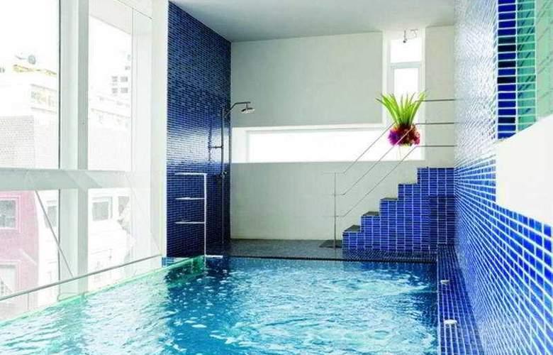 Le Fenix Sukhumvit Bangkok by Compass Hospitality - Pool - 6