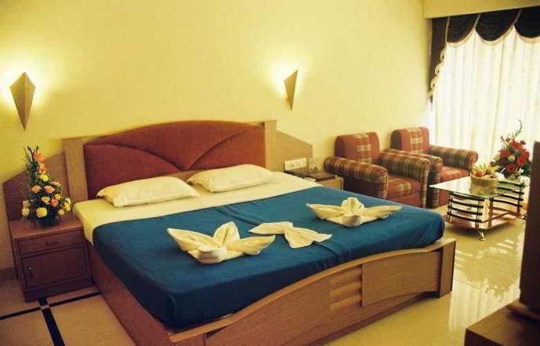 Silver Sands Beach Resort - Room - 5