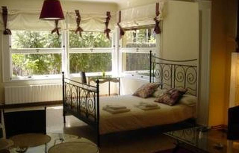 Tibidabo Apartments - Room - 8