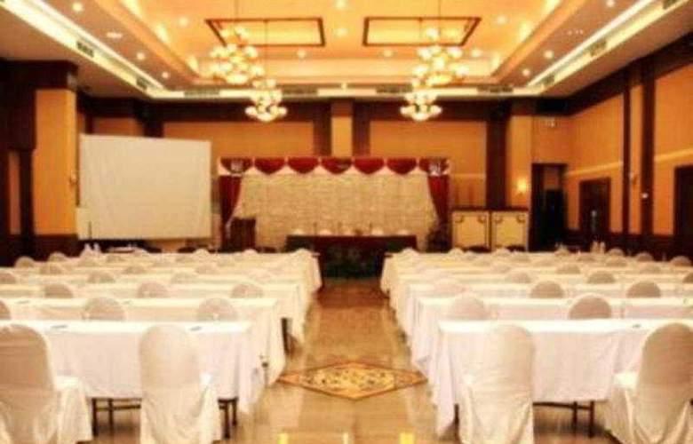 Pandanaran - Conference - 2