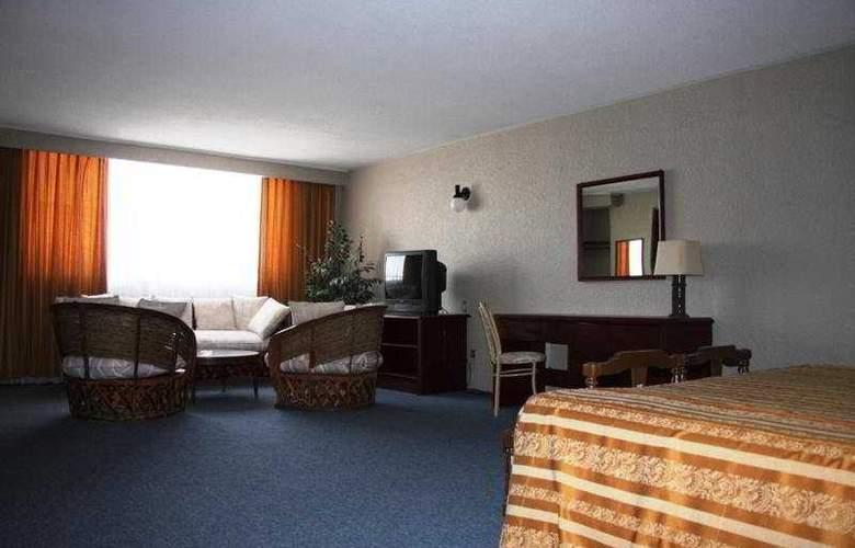 Bojorquez - Room - 1