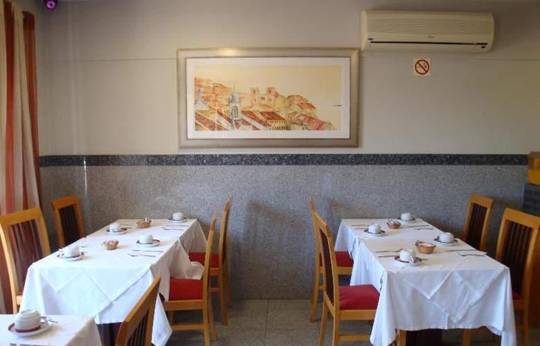 Residencial Horizonte - Restaurant - 16