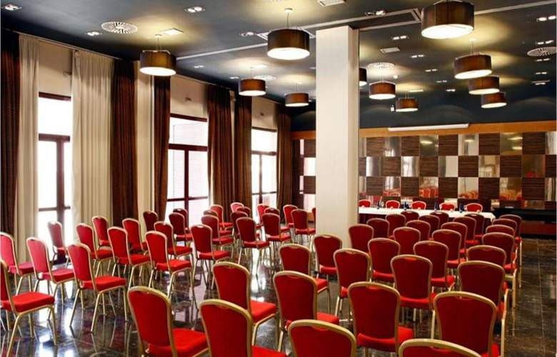 Holiday Inn Madrid Las Tablas - Conference - 7