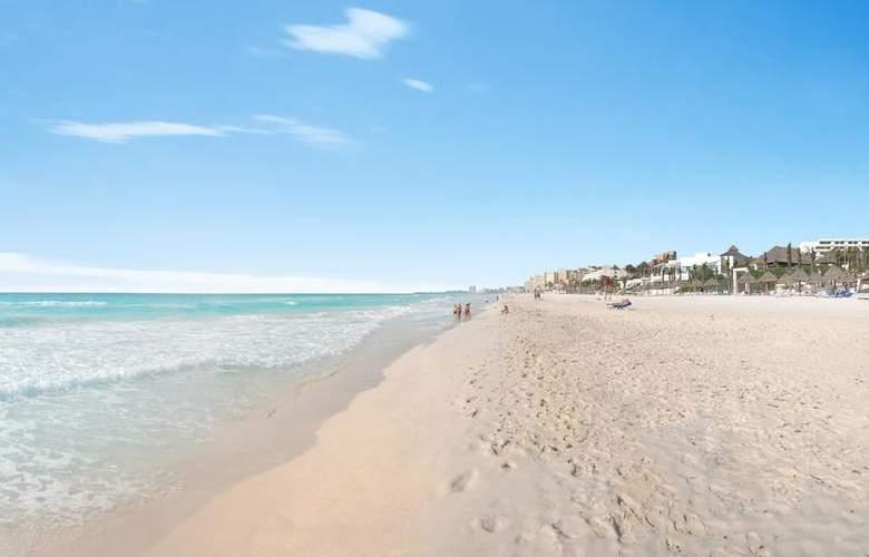 Grand Oasis Standard - Beach - 3