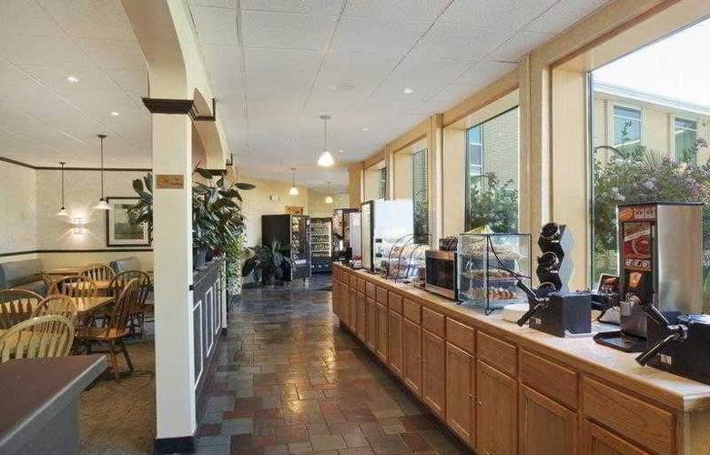 Best Western Syracuse Airport Inn - Hotel - 7