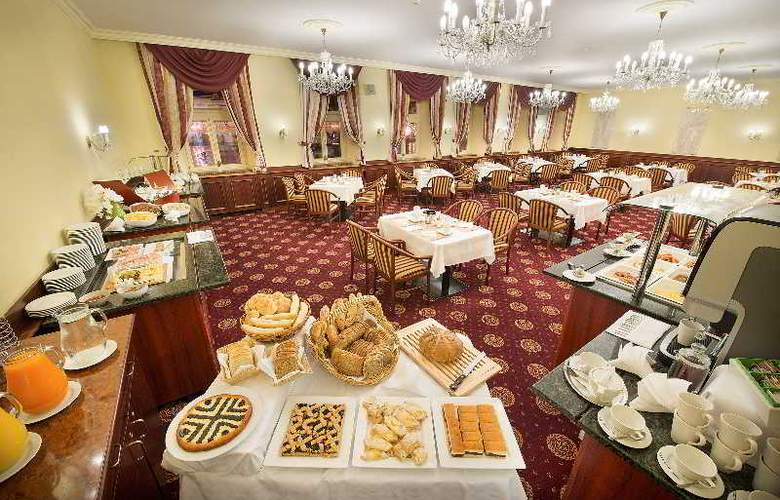 Grand Hotel Zvon - Restaurant - 3