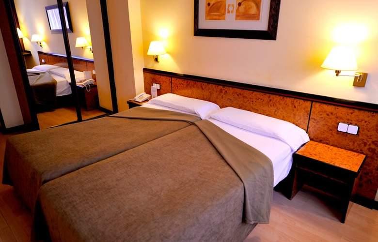 Hotel Glories Sercotel - Room - 9